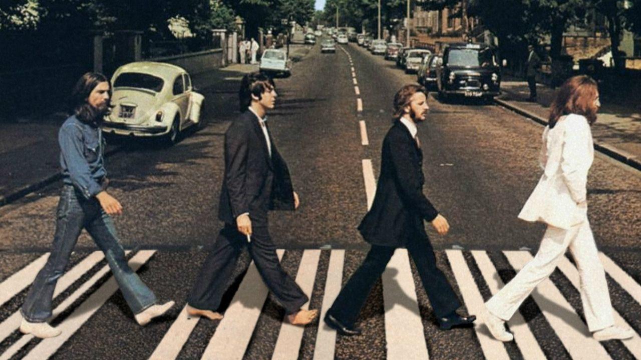 Imagén de los Beatles en Abbey Road, que sirvió de portada para el disco de 1969
