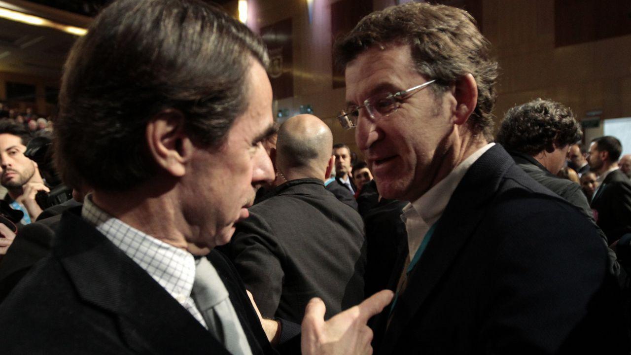 En 1996, Feijoo se trasladó a Madrid para formar parte del gobierno de José María Aznar como secretario general de Asistencia Sanitaria en el ministerio de Sanidad, cuyo titular era Romay Beccaría.
