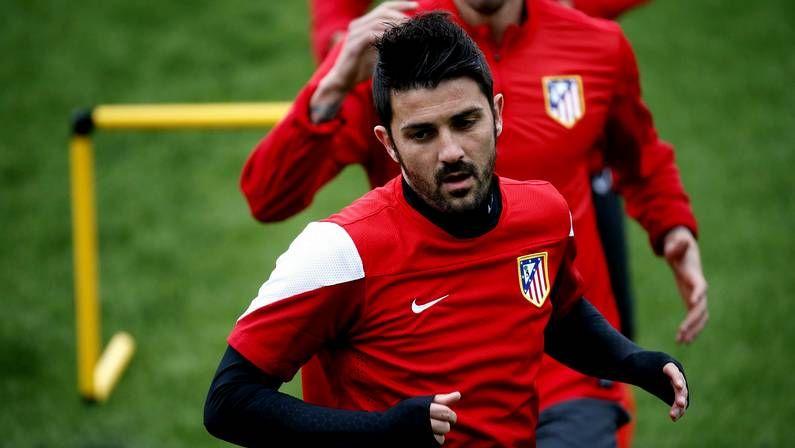 La emocionada despedida de Tata Martino.Aíto recibió el homenaje de la afición del Barça.