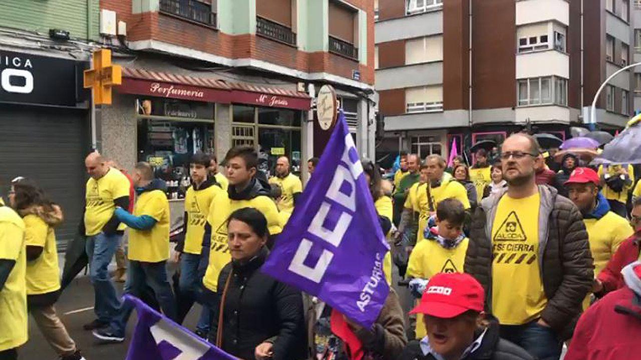 Grado de deportes en el campus de mieres.Los trabajadores de Alcoa en la manifestación del 1 de Mayo en Mieres