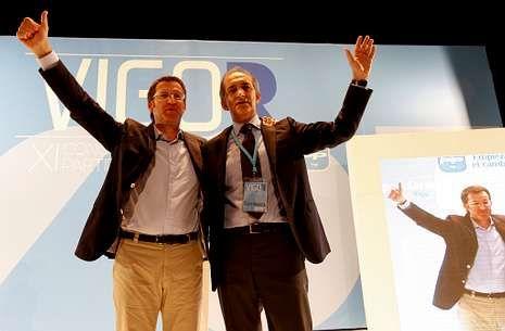 Feijoo con Figueroa en septiembre del 2011 cuando fue elegido presidente local.