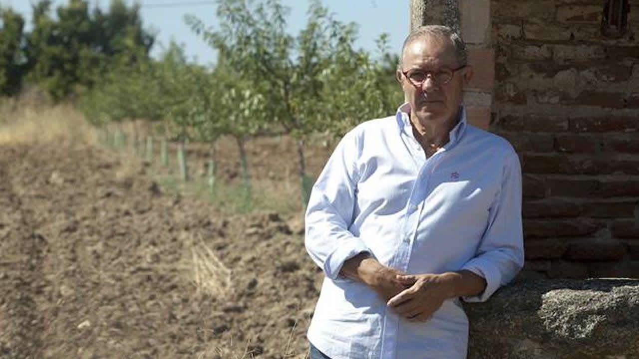 José Ángel de la Casa, la voz del fútbol, explica su párkinson en un documental.Anabel Montes, coordinadora de Proactiva Open Arms