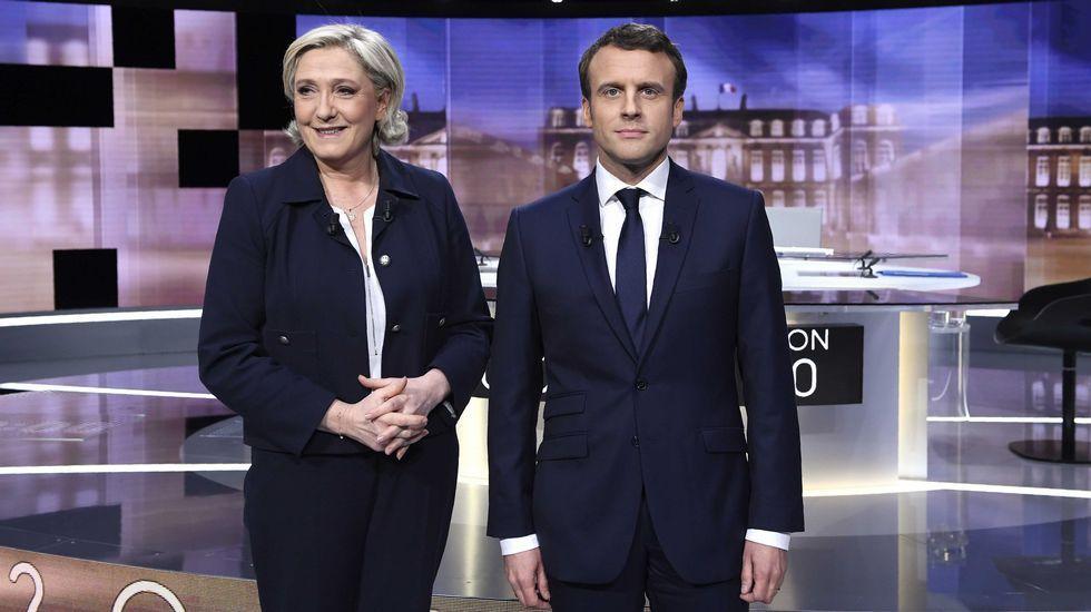 El romance de Emmanuel Macron y su mujer roba protagonismo a las elecciones al Elíseo