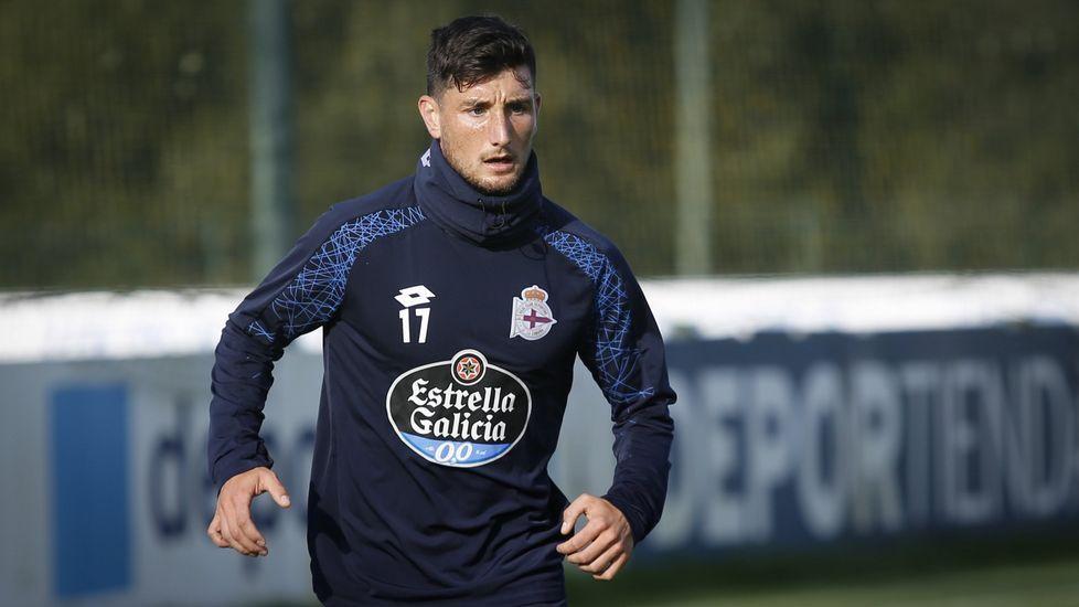 Arriba: Saúl Berjón (Real Oviedo) y Achillé Emaná (Nástic) Abajo: Borja Valle (Elche), Borja Fernández y Javi Álamo (Almería)