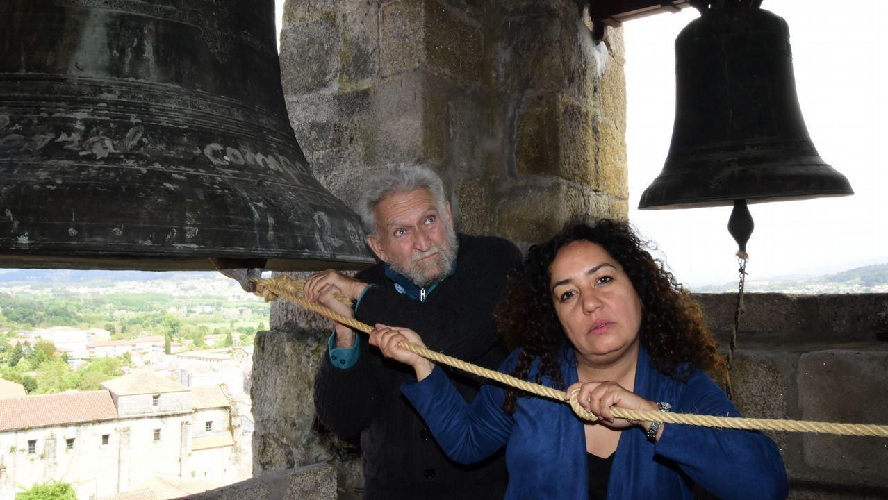 Llorenç Barber y Montserrat Palacios, en el campanario de la catedral de Tui