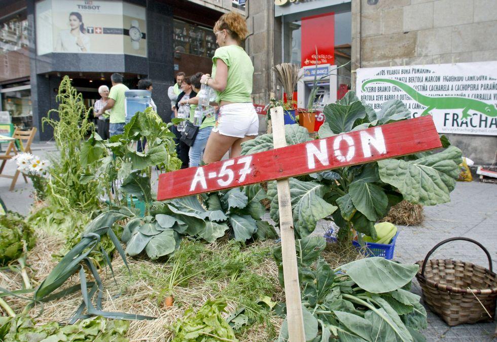 Los miembros de Salvemos A Fracha han organizado diversas protestas contra la A-57.