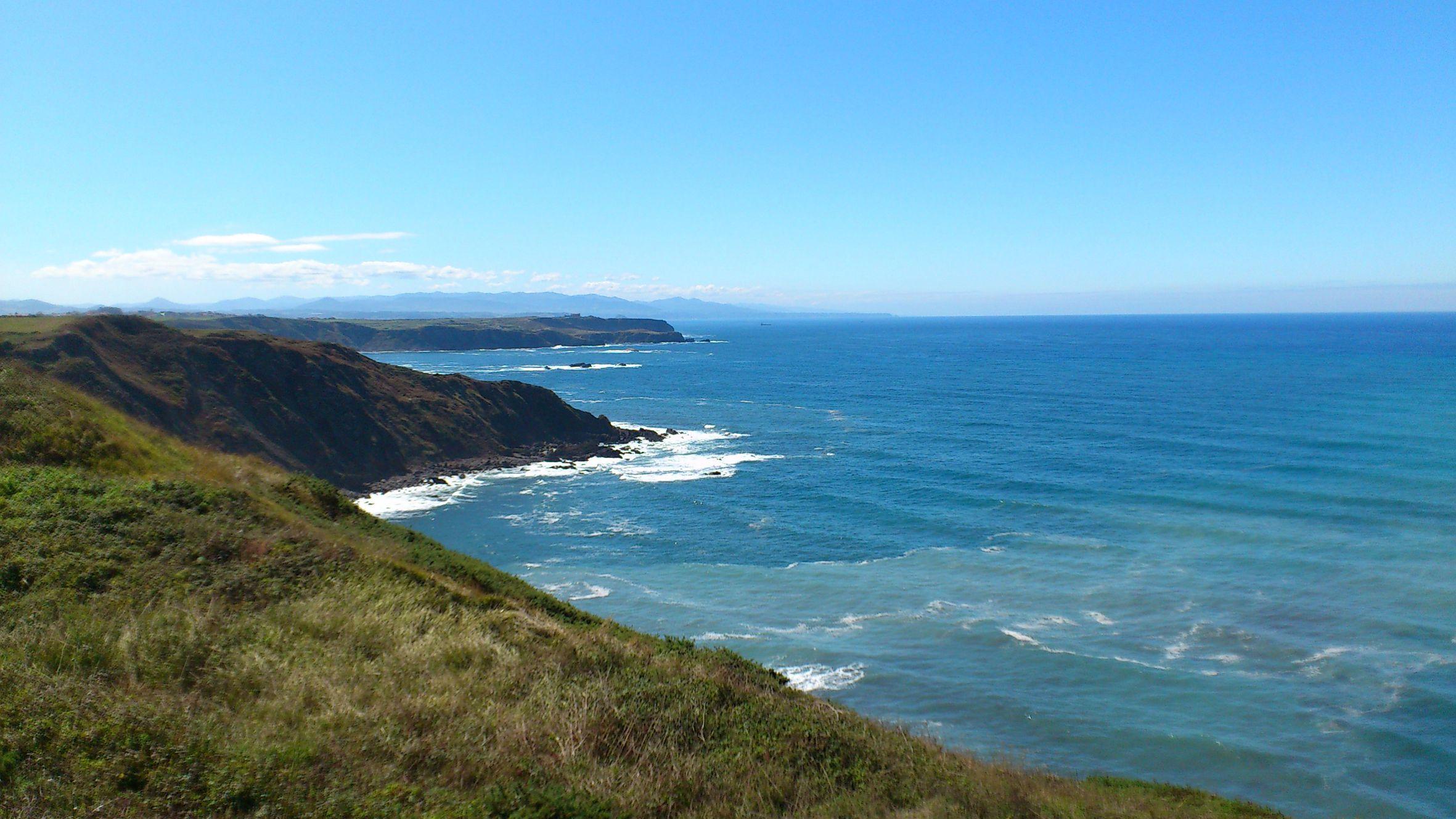 Refuerzo de la caseta de Salvamento Marítimo de la playa de San Lorenzo de Gijón.Cabo Peñas