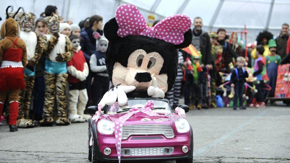 Desfile y concurso de disfraces en Lalín