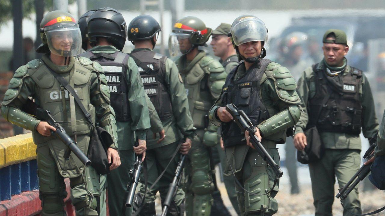 Miembros de la Guardia Nacional Bolivariana desplegados en la frontera de Colombia por el régimen de Maduro