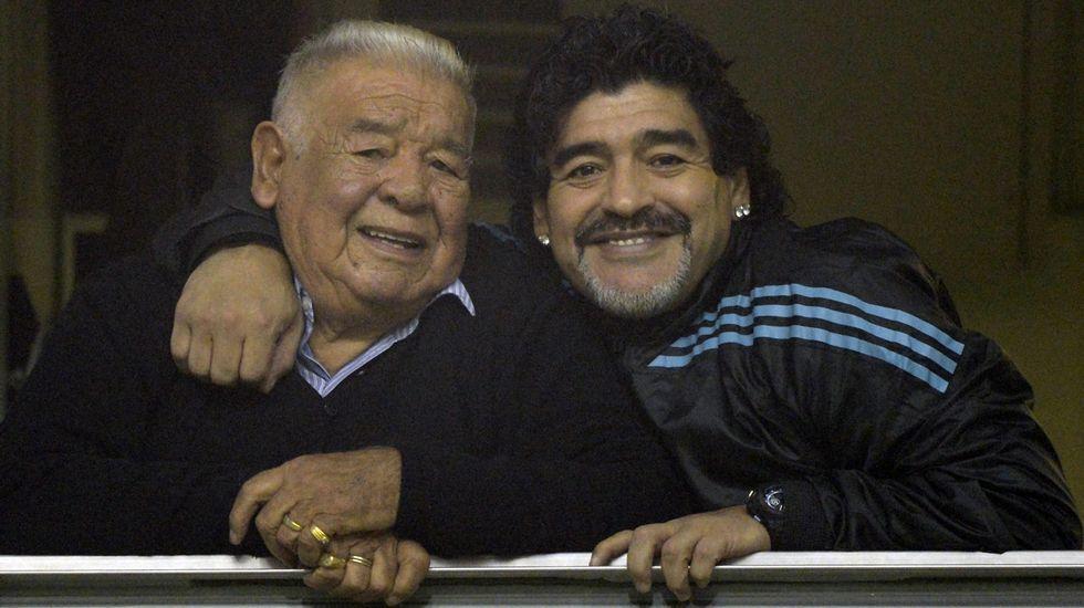 .Maradona y su padre, en una imagen de archivo