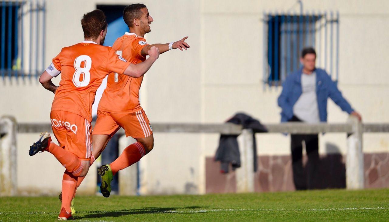 Gol Ernesto Edu Cortina Leioa Vetusta.Ernesto celebra su primer gol frente al Leioa