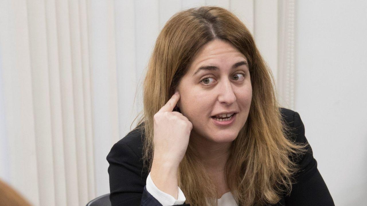 Marta Rovira: «Hemos venido a defender los derechos que tenemos como diputados del Parlament».Marta Rovira