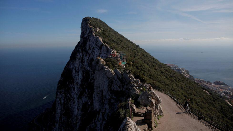 Gibraltar denuncia la «incursión ilegal en aguas territoriales gibraltareñas y británicas» del buque