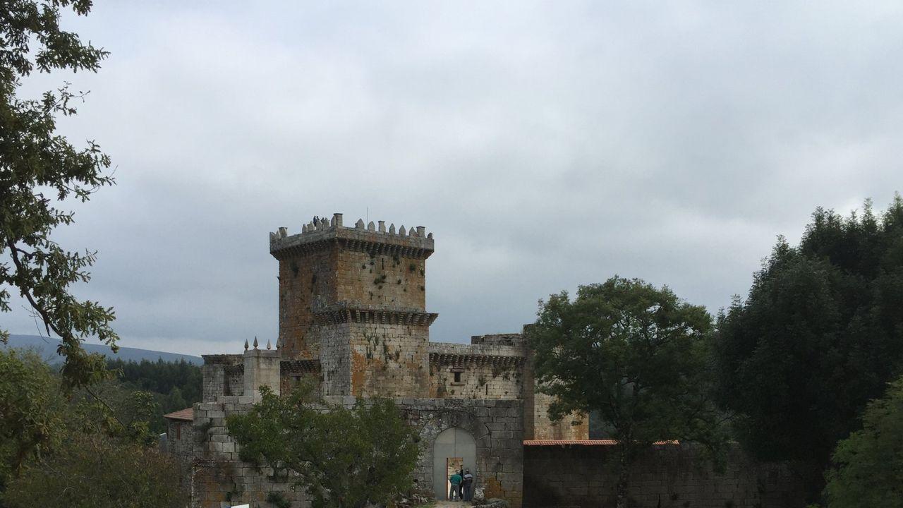 En marzo del 2014, el entonces conselleiro de Cultura —Jesús Vázquez, en el centro de la foto— asistió en el Arquivo Provincial de Lugo a la devolución de una serie de pliegos restaurados del  Livro da Montaria , procedentes de Monforte, que fueron descubiertros en este centro.