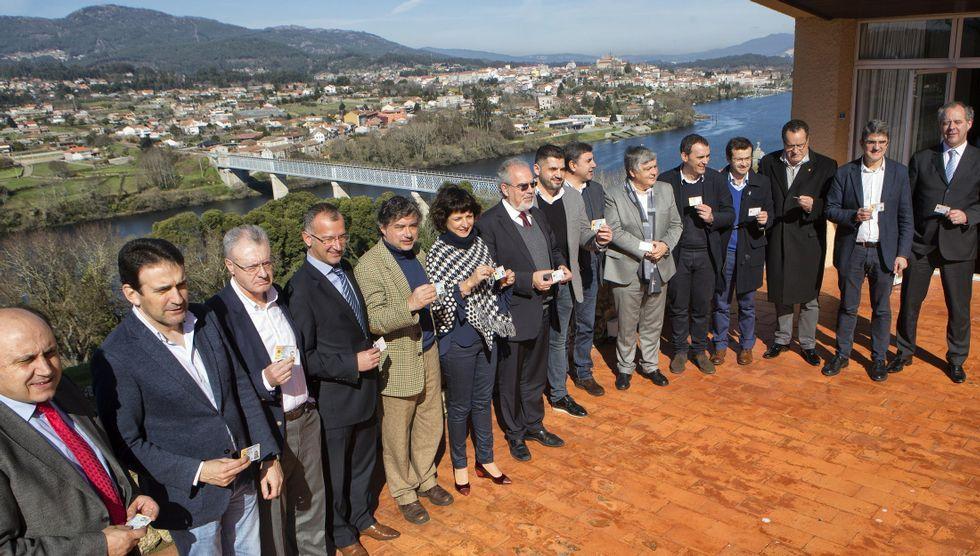 Portugal, polo de atracción para la empresa gallega.Encierro de los afectados por el puerto seco en una imagen de archivo del 2010