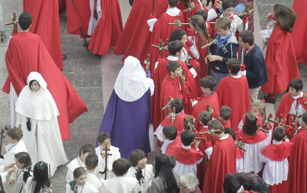 Todas las imágenes de las procesiones de Ferrol.La promoción de la Semana Santa ya está en todas las redes sociales, incluida Pinterest.