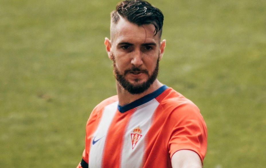 Mossa Sergio Alvarez Real Oviedo Sporting derbi Carlos Tartiere.Peybernes