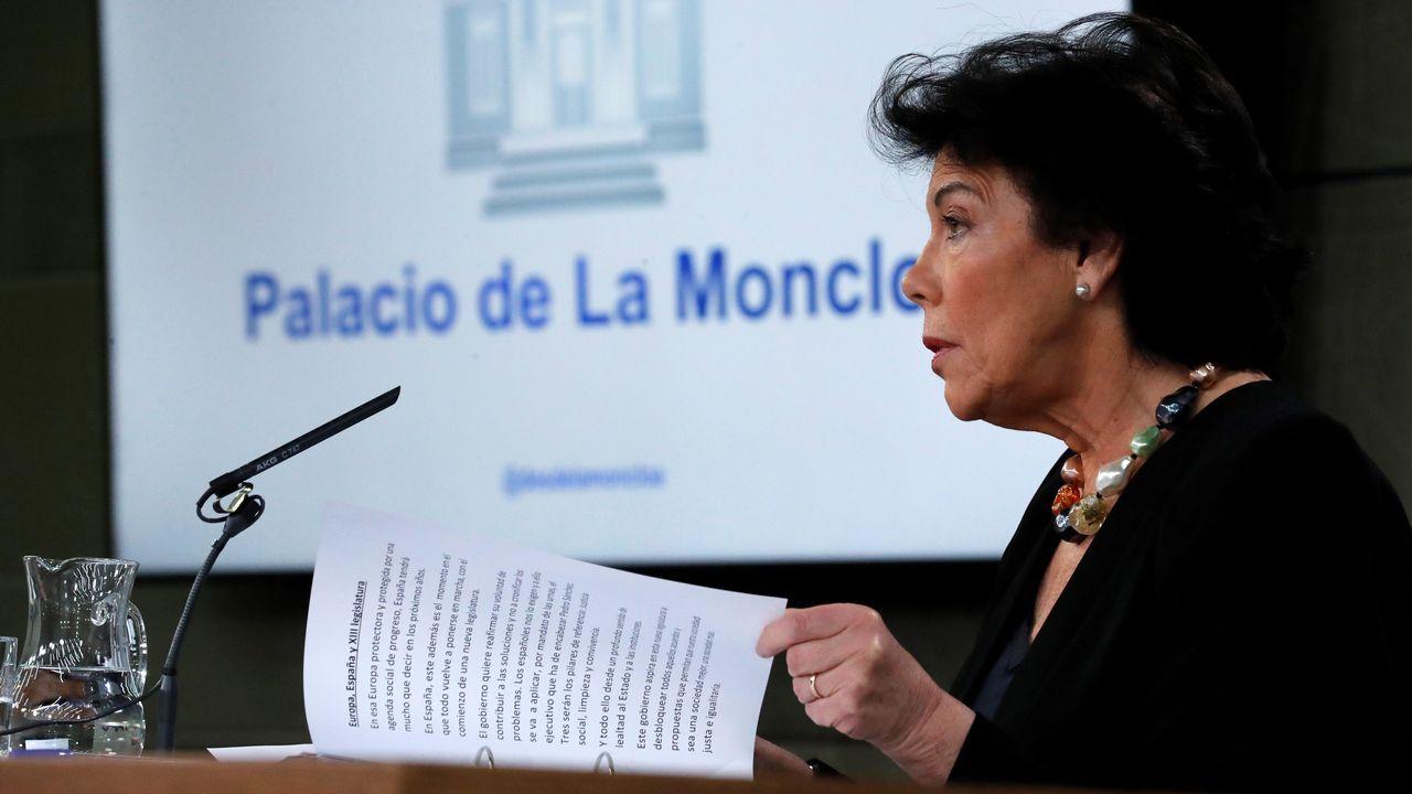 Iglesias reconoce más dificultades para negociar un gobierno de coalición con Sánchez.Pedro Sanchez, ayer, a su llegada al Consejo Europeo en Bruselas