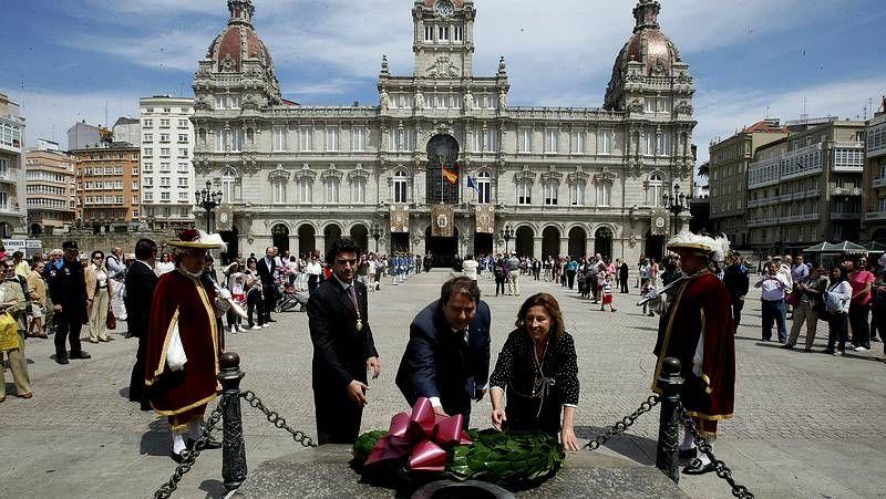 Ceremonia de Función del Voto en A Coruña.Negreira durante la ceremonia en María Pita.