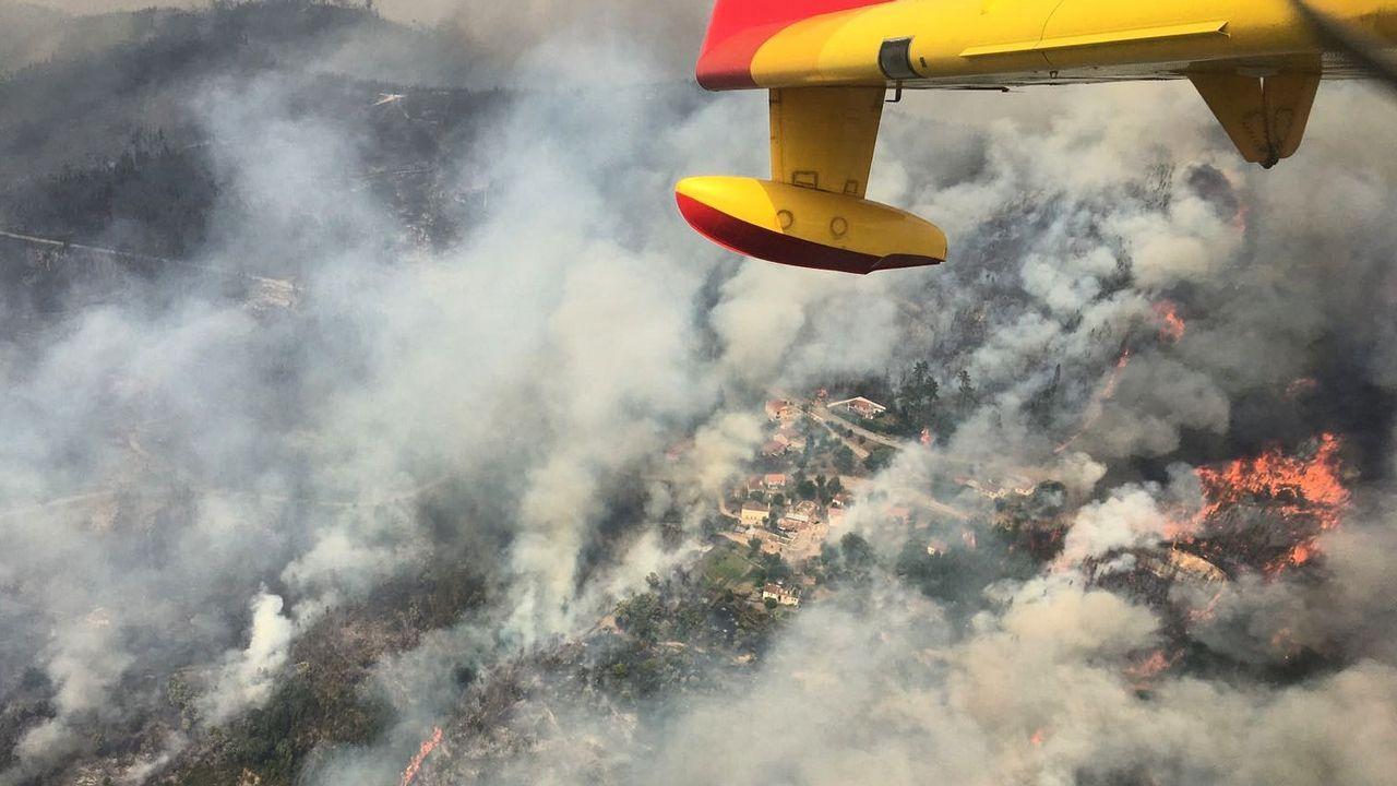 Incendio en Portugal: de la lluvia de fuego a la de críticas y al granizo.Pintan las farolas de La Grela
