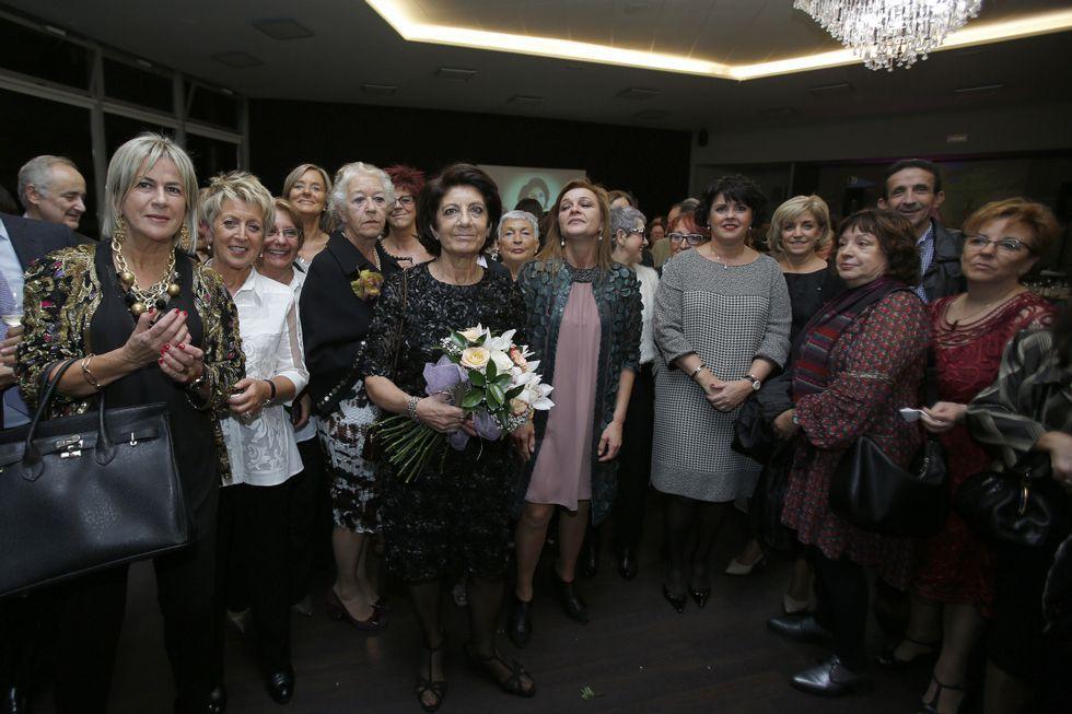 Compañeros del Materno de la ginecóloga Ana Mariño, organizaron una gran celebración con motivo de su jubilación.