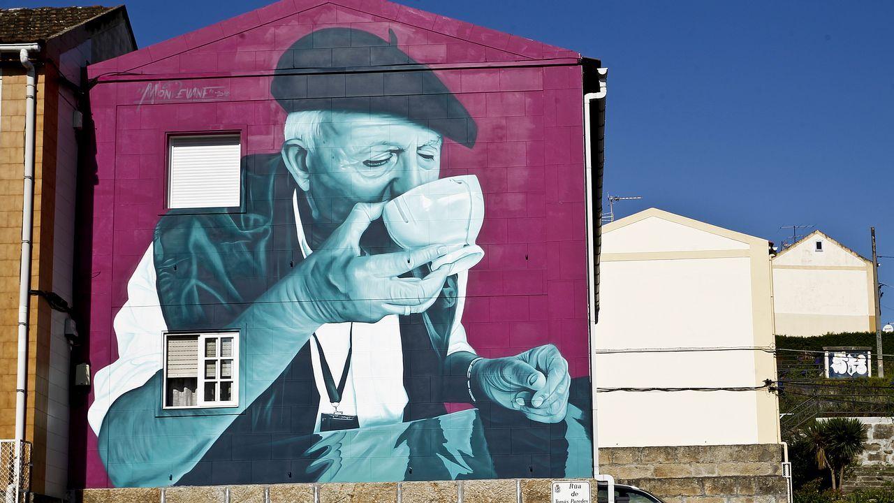 Mon Devane hizo dos murales en Tomás Paredes, 60