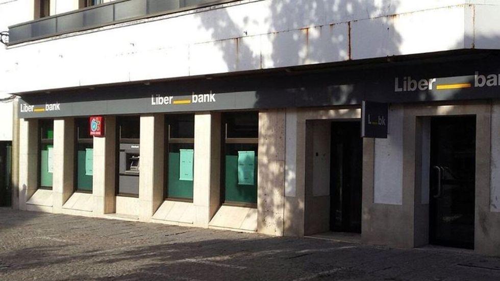 Oficina de Liberbank.Manuel Menéndez