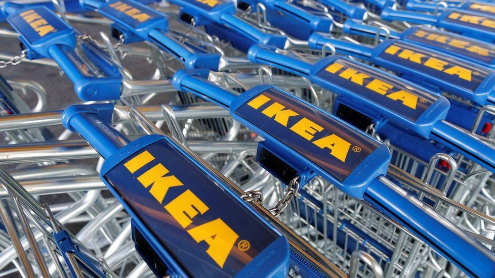 Las «tienditas» de Ikea.Vecinos afectados por las inundaciones en Avilés