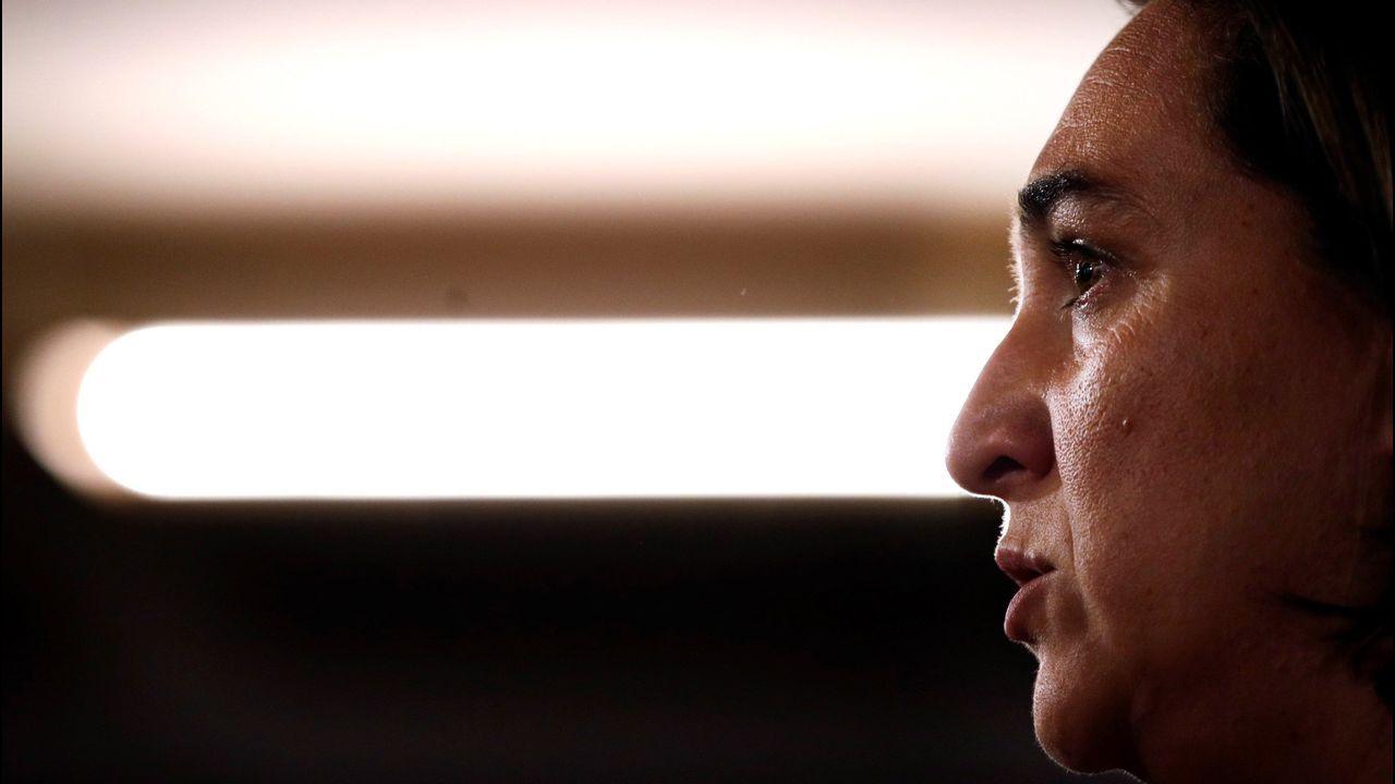 El abogado de Puigdemont, Gonzalo Boye, tuvo que presentar su documentación en el registro como le ordenó una funcionaria de la Junta Electoral.Colau rechazó una oferta de Ernest Maragall para repartirse el bastón de mando dos años cada uno