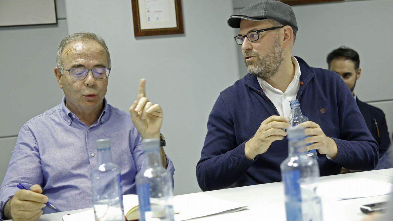 La jueza pitonisa de Lugo busca pareja en First Dates.El candidato del PP a la alcaldía de Ourense, Jesús Vázquez, de compras en el mercado de la ciudad