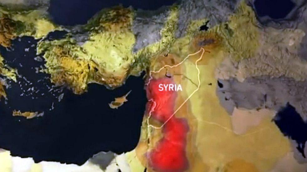 Siria y el Cambio Climático.Alberto Garzón colgó en Twitter esta foto suya para que sus seguidores incluyesen en el bocadillo frases ingeniosas. No contaba con sus detractores: este es uno de los resultados