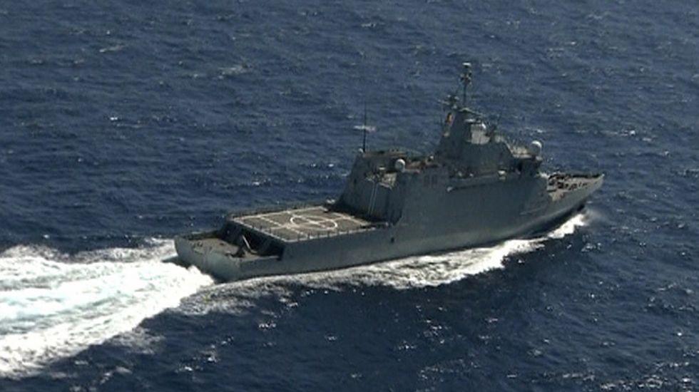 Uno de los barcos que participan en la búsqueda de los militares desaparecidos