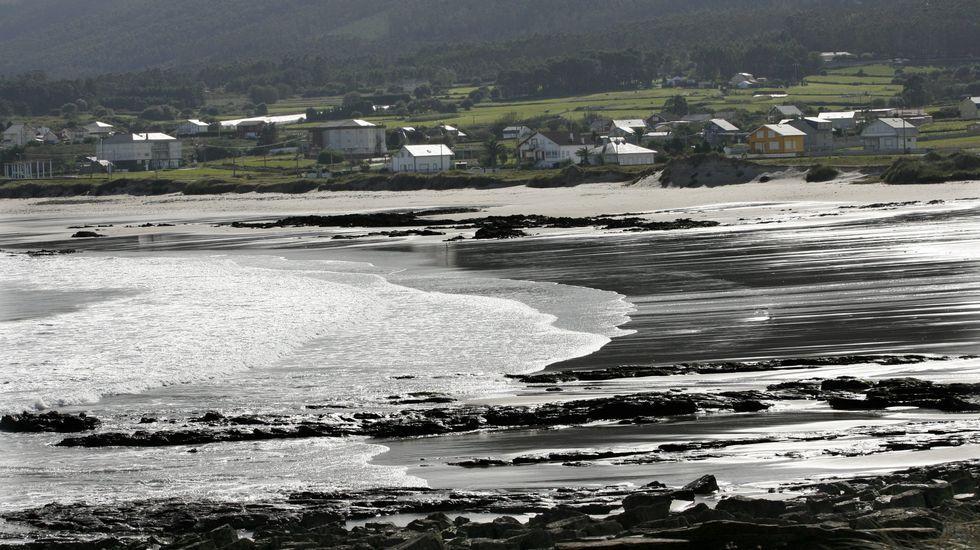 Barreiros. En las playas de A Mariña hay que tener cuidado cuando el mar está bravo