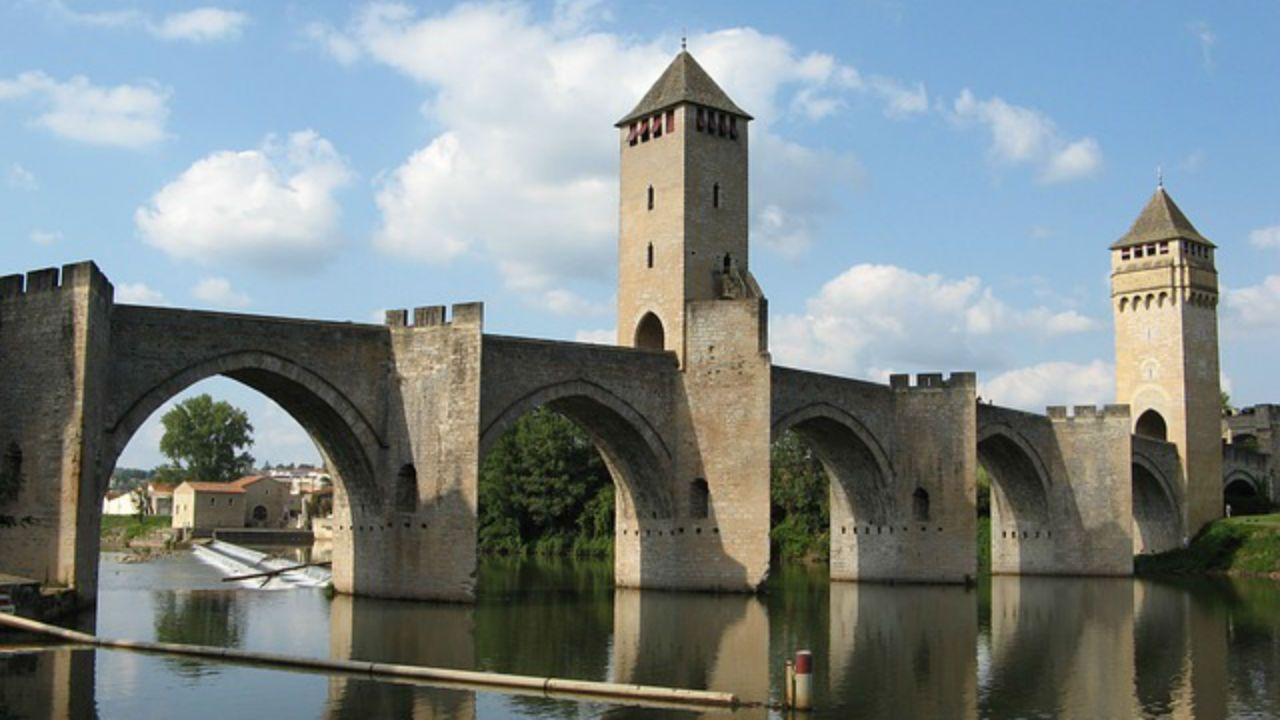 Puente Valentré de Cahors (Francia)