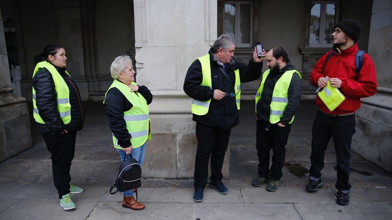 Los primeros chalecos amarillos se dejan ver en Galicia