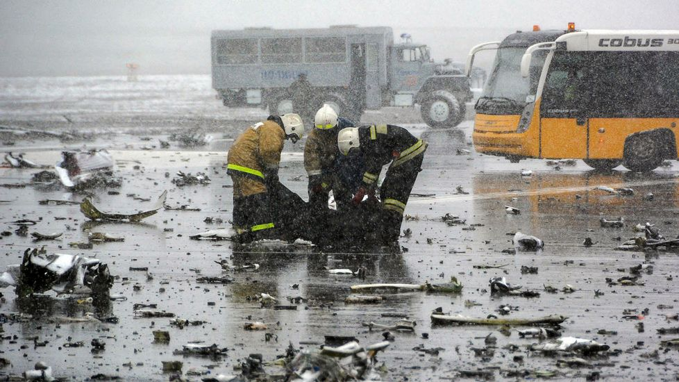 Tragedia aérea en el sur de Rusia.Pablo Iglesias le regala «Juego de tronos» al rey