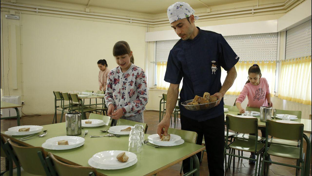 El chef Óscar Fernández está tan involucrado que les prepara platos temáticos. Este curso es el Camino de Santiago.