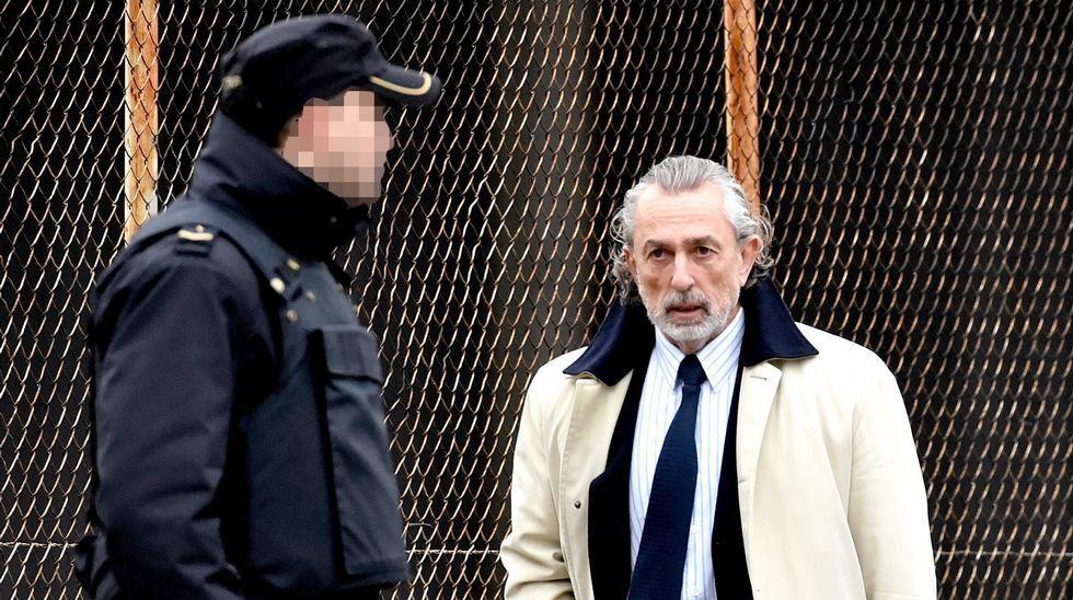 Ana Mato niega haber recibido ningún regalo de Francisco Correa.Francisco Correa llegando hoy al juicio
