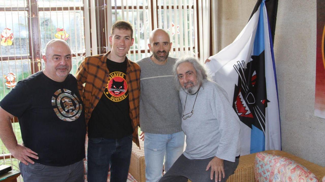 Mucho humor y debate en torno al nuevo paso de peatones de Cangas.Foto del Instagram de visselkobe_official dando la bienvenida a Villa a su equipo