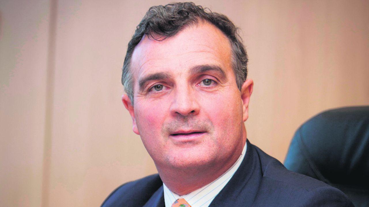 Entrega dos Berberechos de Honra en Noia.Álvaro Rengifo, presidente de la Fundación AMREF España