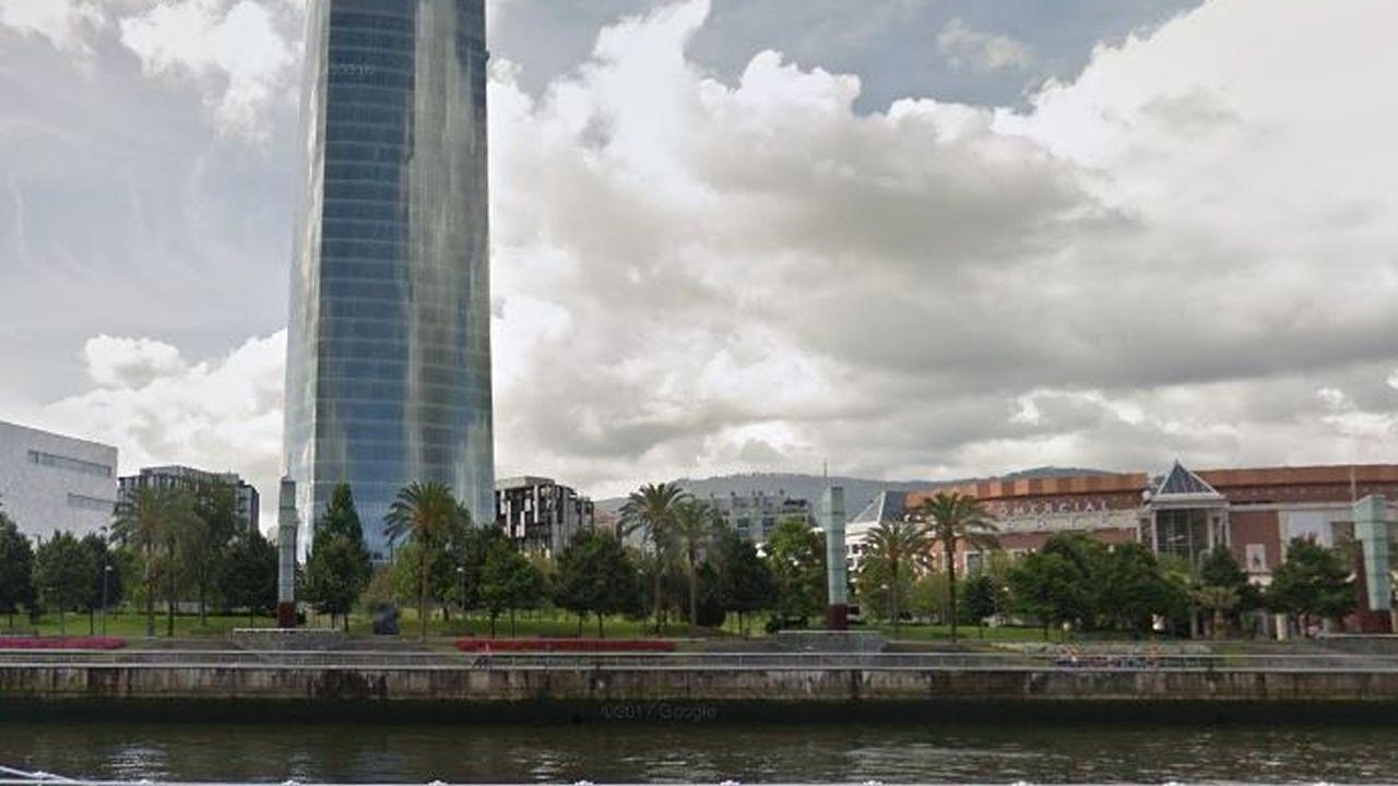 Bilbao | Ventas de suelo. La sociedad pública Bilbao Ría 2000 financió la mayoría de las inversiones con ventas de suelo y en el Nervión se permitió uso público, comercial y también residencial.