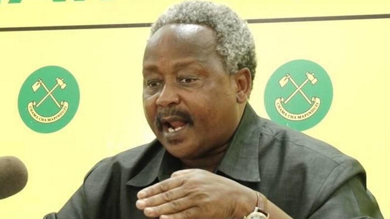 Observación asturiana en un paraíso africano.El gobernador de Njombe, Christopher Ole Sendeka, ordenó el arresto de todos los sanadores brujos de la zona