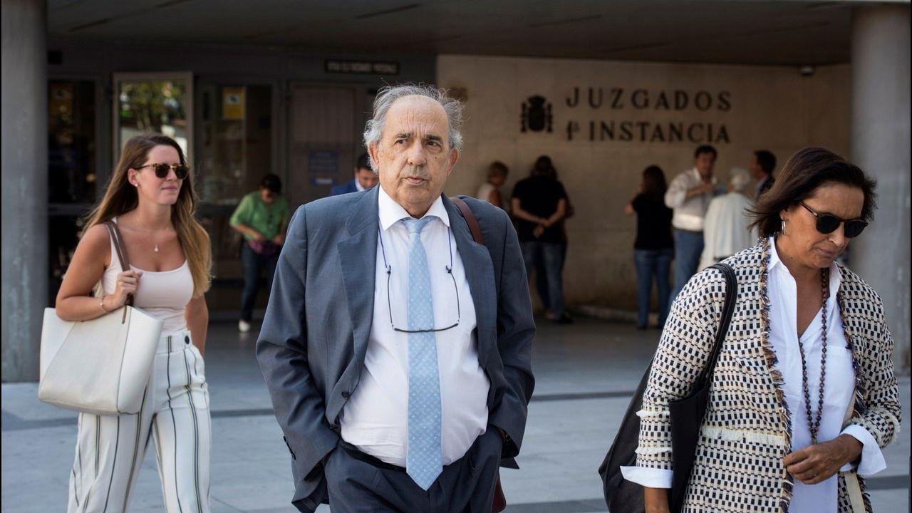 Cifuentes decide no declarar en la comisión del «caso Máster».El monumento de la concordia