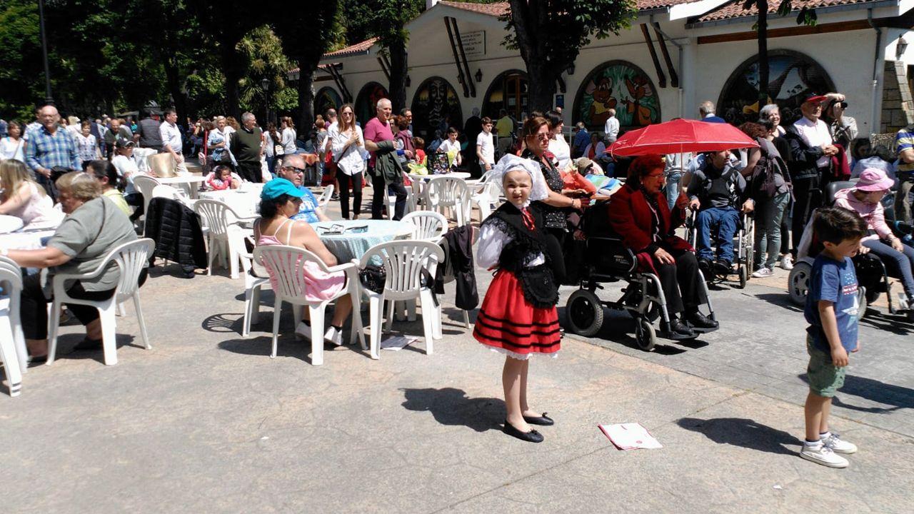 Los niños también se vistieron con el traje regional para el Martes de Campo