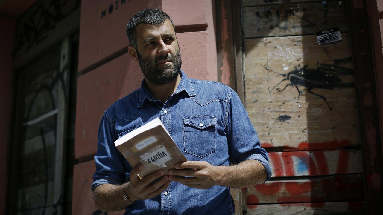 Amancio Ortega.El escritor coruñés asegura estar desbordado por el apoyo que ha recibido