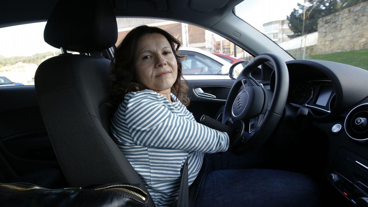«El coche me cambió la vida. Ahora ya no depende de nadie para moverme».Cuchillo como el que usó el atracador de la tienda de golosinas de Arteixo