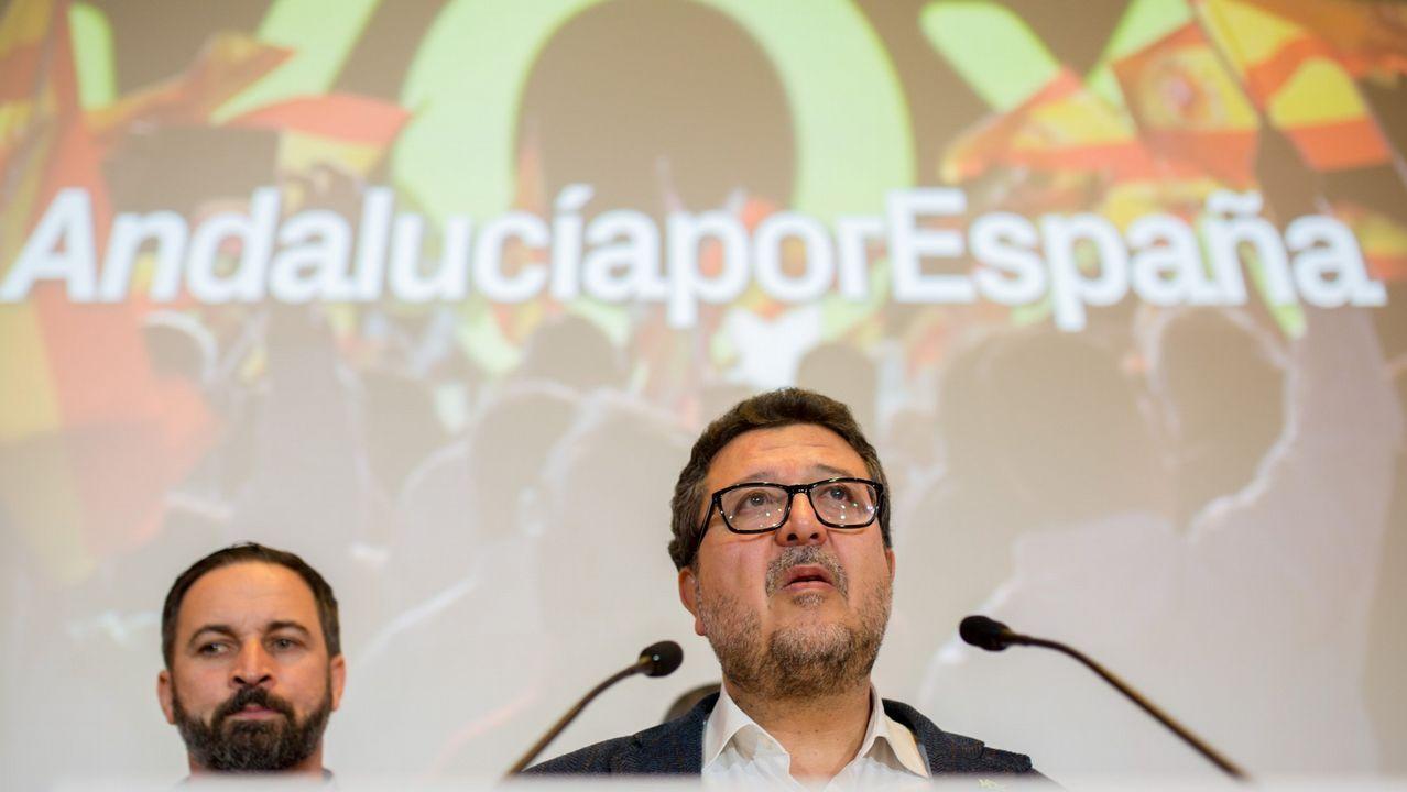 El presidente de VOX, Santiago Abascal, y el candidato de VOX a la Presidencia de la Junta, Francisco Serrano.
