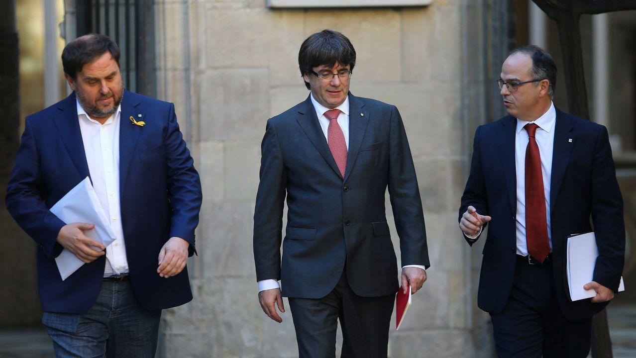 .Jordi Turull, en la foto junto al presidente y vicepresidente de la Generalitat