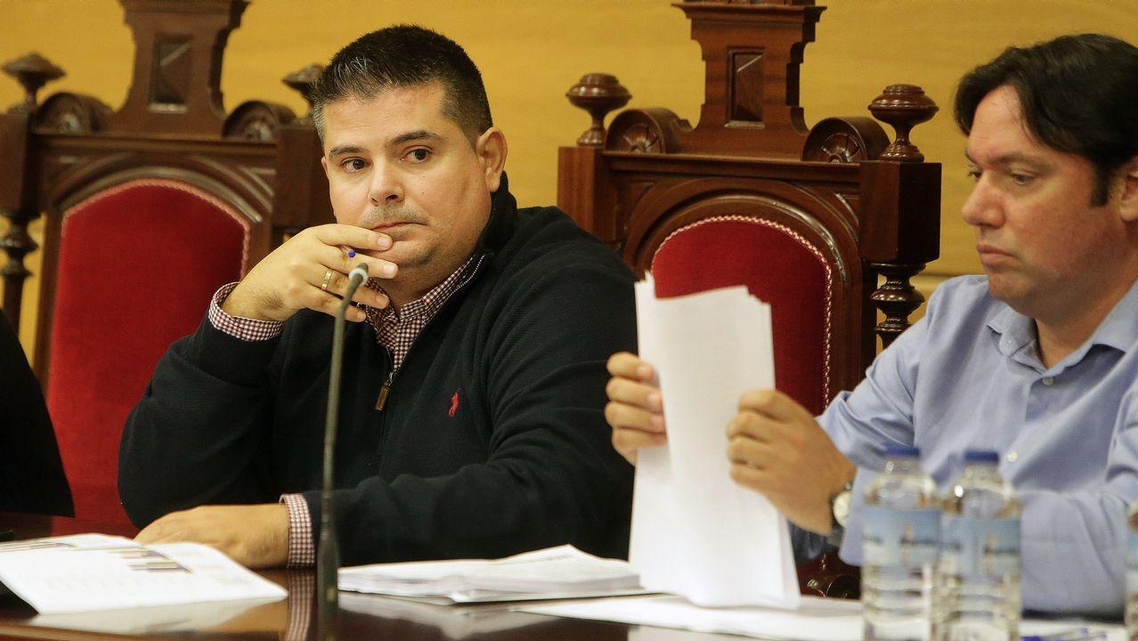Colapso de tráfico por el repintado del carril bici.Antonio García y Asunción Losada