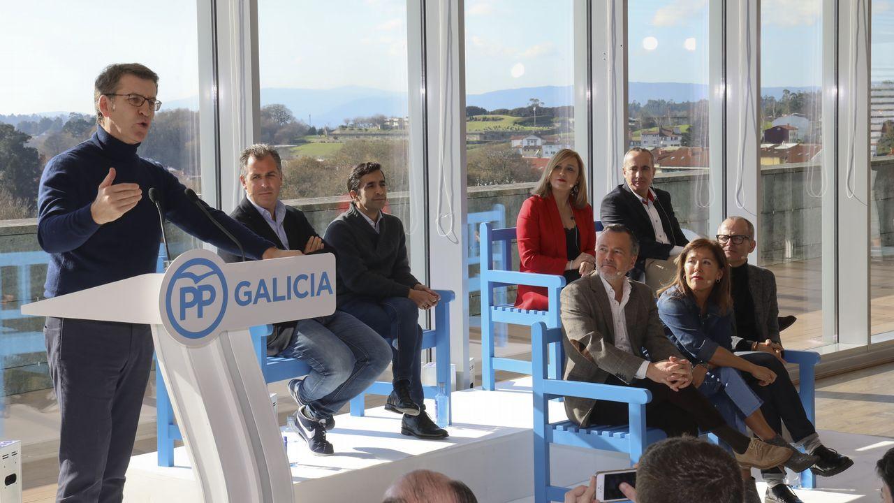 El PP de Casado escenifica una nueva etapa en la que quiere rearmarse en lo ideológico.Feijoo, durante la presentación de los candidatos a las siete ciudades gallegas, el sábado en Santiago